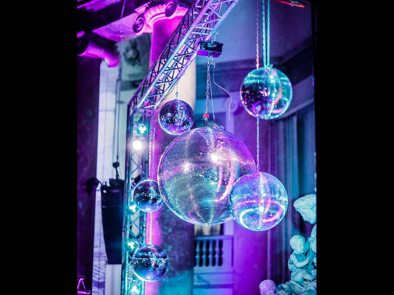 Eric Ericsonhallen Party med discokulor
