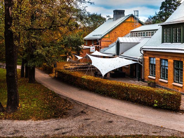 Kräftan Festvåning vid Roslagstull - Kräftans uteplats med tält