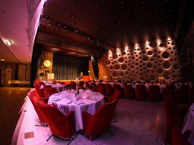 City Konferensens Polhemssalen - En annan vinkel av dukningen med runda bord