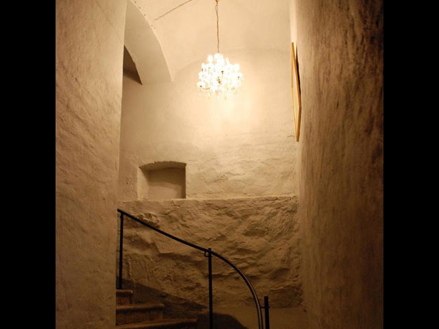 Sidenkällarens rustika trappa