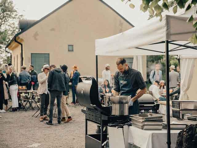 Bellevue Festvåning Roslagstull - Grillning på gården
