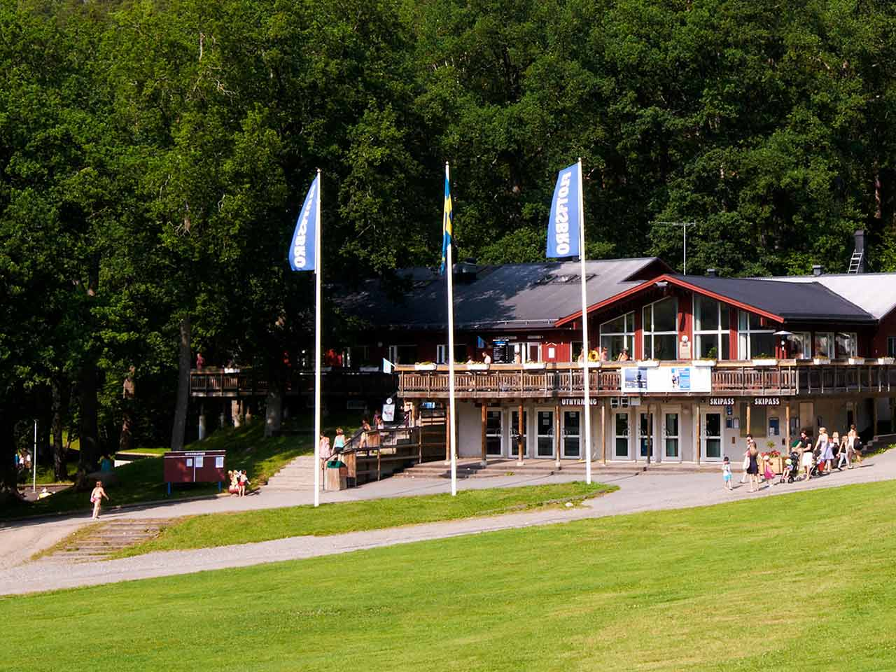 Flottsbro Värdshus - I solsken