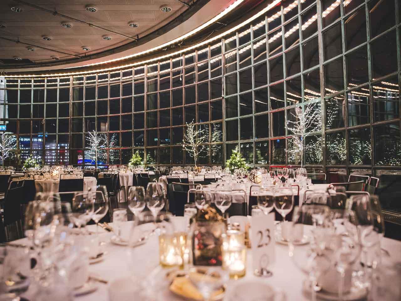 Rotundan - Eventlokal vid Kungsträdgården - Dukat för middag